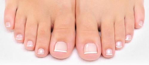 足の爪きれい